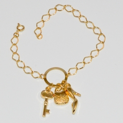 1-0923-D1 Ladies Charms Bracelet