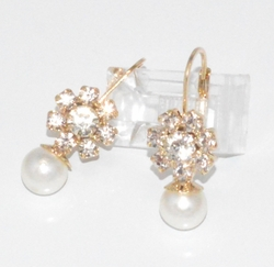 1-1209-f6 18kt Brazilian Gold Layered Drop Pearl Earrings with Crystals. 1.25 inches length, 8mm pearl.