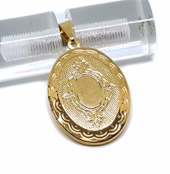 1-2307-f9 18kt Brazilian Gold Layered Locket (Relicario) Pendant. 22mm wide, 1.5 inches tall.