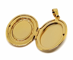 1-2309-f9 18kt Brazilian Gold Layered Locket (Relicario) Pendant. 22mm wide, 1.5 inches tall.