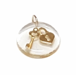 1-2430-f27 18kt Brazilian Gold Layered Floating Heart Lock and Key Pendant. 20mm.