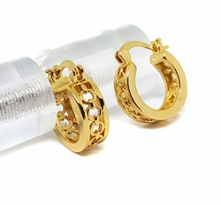 1-2590-f8 18kt Brazilian Gold Layered Small Circles Design hoop earrings. 6mm wide by 17mm diameter.