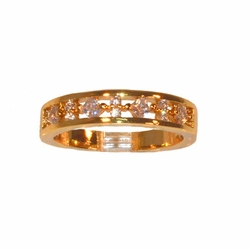 1-3081-e11 Godl Layered CZ Band. Sizes 6-8.