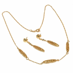 1-6040-e12 Gold Filled Earring and Necklace Set