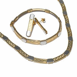 1-6066-f3 18kt Brazilian Gold Layered Two Tone Necklace Bracelet and Earrings Set.