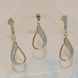 1-6071-e4 Two Tone Earring and Pendant Set