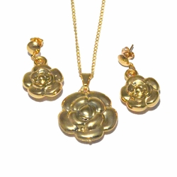 1-6083-f4 18kt Brazilian Gold Layered Flower Earring Pendant and Chain Set.