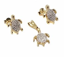 1-6135-f9 18kt Brazilian Gold Layered Two Tone Earring and Pendant Turtle Set. 11mm.