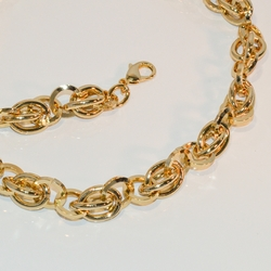 "1-6271-e7 Gold Plated Thick Link Necklace and Bracelet Set. Necklace is 18"", Bracelet is 8"", 14mm wide."