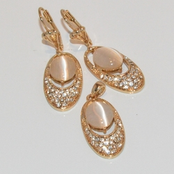 1-6356-e1 Crystals and Cat Eye Set