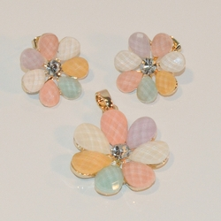 1-6391-e7 Gold Plated Faceted Pastels Flower Earring and Pendant Set. 23mm Pendant.