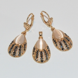 1-6395-e1 Cate Eye and Golden Marquesite Set