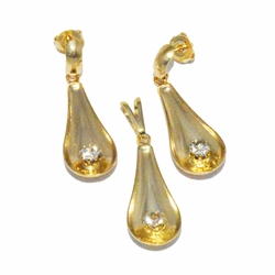 1-6446-f2 18kt Brazilian Gold Layered Tear Drop Earrings and Pendant Set with Stone