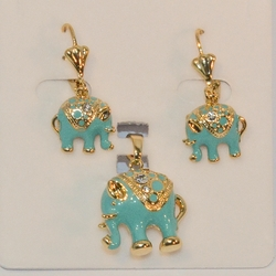 1-6476-e6 Beautiful Elephants Earring and Pendant Set. 18mm pendant.