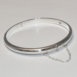 2-0688-e2 Sterling Bagle with Side lock and chain
