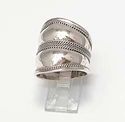 2-5056-f6 .925 Sterling Silver Wide Shield Ring.