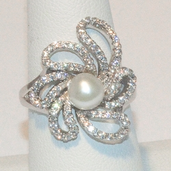 2-5167-e2 CZ Fresh Water Pearl Ring