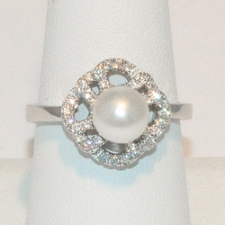 2-5183-e3 CZ Fresh Water Pearl Ring