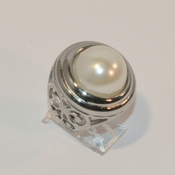 4-0054-e6 Ladies Stainless Pearl Ring with Filigree Sides. Sizes 6-9.