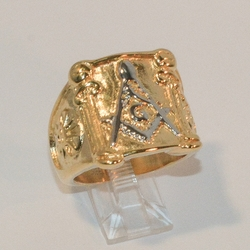 4-0081-e7 Men Gold Plated Stainless Two Tone Mason Ring. Sizes 10-12.