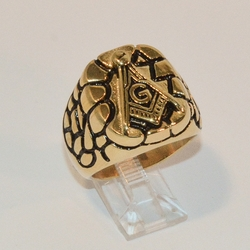 4-0081-e8 Men Gold Plated Stainless Golden Nugget Design Mason Ring. Sizes 10-12.