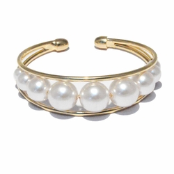 1-4062-f23 18kt Brazilian Gold Layered Cuff Bagles with Inline Pearls