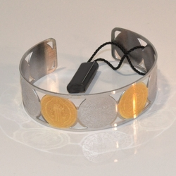 4-4172-e11 Stainless Two Tone San Benito Bangle Bracelet. 20mm wide.