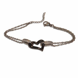 "4-4234-e11 Stainless Bracelet with double link and Black Center Heart. 7"" to 8"" adjustable length, 15mm heart."