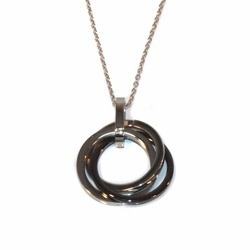 "4-7047-e10 Stainless Necklace with Black and White Circles Pendant. Necklace 18"", pendant 24mm."
