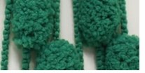 Bernat Puff Ball Holidays Christmas Yarn Garland Green