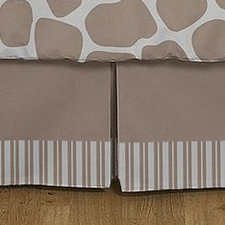 Giraffe Full/Queen Bed Skirt