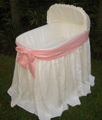 Ella Bassinet with Pink Bow by Maddie Boo