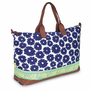 Meris Duffle Bag with Ribbon in Poppies Blue