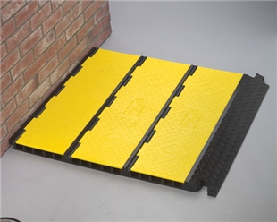 5-Channel Yellow Jacket AMS Assembled (Center Section and 2 Ramps)