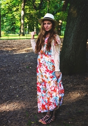 """Giselle"" Modest Maxi Dress in Floral Print *RESTOCKED*"