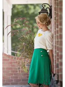 Pleated Button Skirt in Kelly Green
