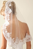 Embroidered Leaf Lace Veil