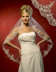 1-Tier Bold Lace Edge Bridal Veil