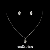 Beautiful Silver White Flower Girl Necklace Set