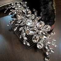 Constantina - Gorgeous Royal Collection Swarovski crystal wedding comb - SPECIAL