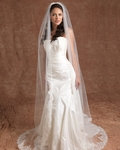 NEW!! GORGEOUS lace edge Edward Berger cathedral Wedding Veil 4521