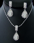Elegant Crystal pendant necklace set