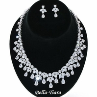 GORGEOUS CZ Cubic Zirconia Teardrop Necklace Set