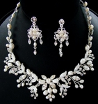 Loredana - Freshwater Pearl Vine Wedding Necklace set