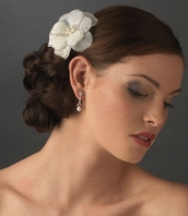 Mara - Stunning beaded ivory hair flower