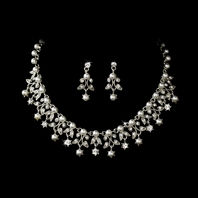 Marianna-Gorgeous leaf rhinestone and creamy off white pearl necklace set