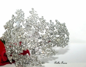 Maxima - Royal Collection - STUNNING swarovski crystal wedding headpiece - SPECIAL