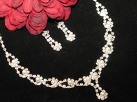 Melissa - Romatic Pearl and Rhinestone Necklace Set - SALE!