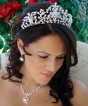 Queen Rennaissance Crown Tiara and Necklace set