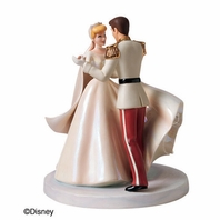"""Walt Disney Classics � Cinderella and Prince Charming """"Happily Ever After"""" Cake Topper Figurine"""